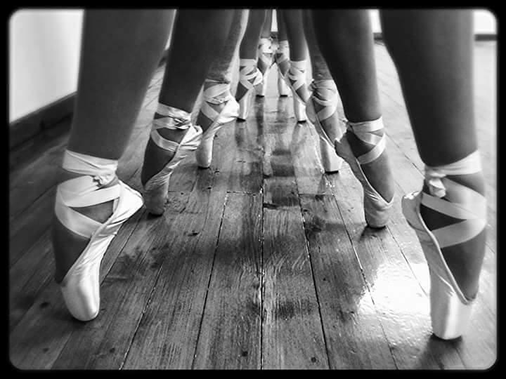 """Tradicionalni godišnji koncert baletskog studija """"M"""" iz Paraćina uz gostovanje dečijeg hora """"Dar"""" !!!"""