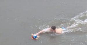 U konkurenciji 25 plivača do Časnog krsta prvi doplivao Djordje Miletić !!!
