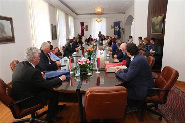 Predsednik opštine Gornji Milanovac ugostio je delegacije prijateljskih gradova i opština!!!