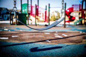 PRAVILNIK o bezbednosti dečjih igrališta-Moraće da se obnove svi dečji tereni !!PRAVILNIK o bezbednosti dečjih igrališta-Moraće da se obnove svi dečji tereni !!