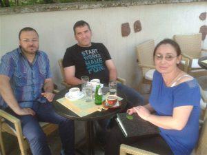 """NA KAFI SA Danijelom i Aleksandrom Gajićem- Gajom i Stevanović Goranom-Ristom iz benda""""SMAJLI"""" (Smiley band)"""