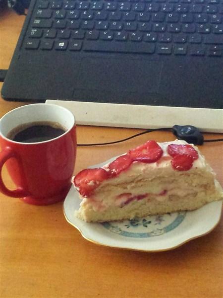 RECEPT DANA-BEBIN Kremasti lagan kolač sa JAGODAMA!!!