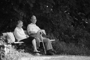 DRŽAVI, kada su penzije u pitanju, stručnjaci nude tri računice!!!