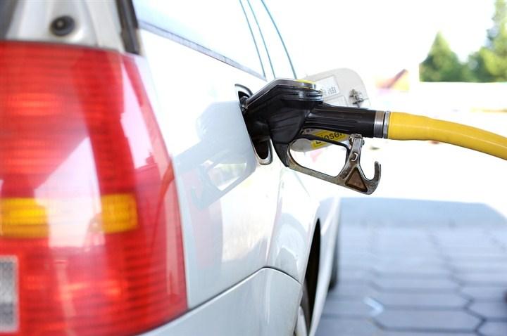 DOK cene goriva ključaju, sve oči su uprete ka državi!!!