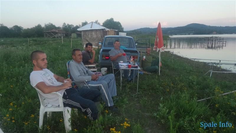 VREDNI RIBOLOVCI misle o jezeru i ekologiji na svakom koraku-GRUŽANSKO JEZERO !!!