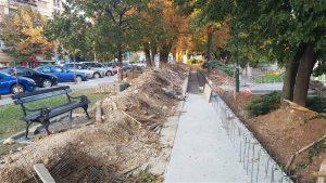 U parku kod crkve u Paraćinu u toku je izgradnja temelja sistema za odbranu od poplava !!!