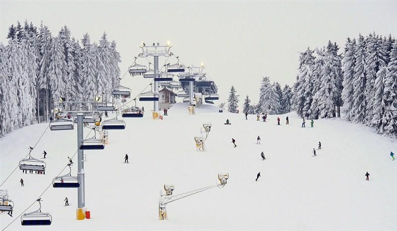 Za skijanje u Srbiji treba izdvojiti para skoro kao i za neko prosečno skijalište u Italiji ili Austriji!!!