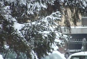 Jak sneg pada u gradovima širom Srbije i vejaće sve do subote!!!