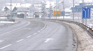Zimska služba Direkcije za izgradnju opštine Paraćin konstantno radi na čišćenju i održavanju puteva!!!