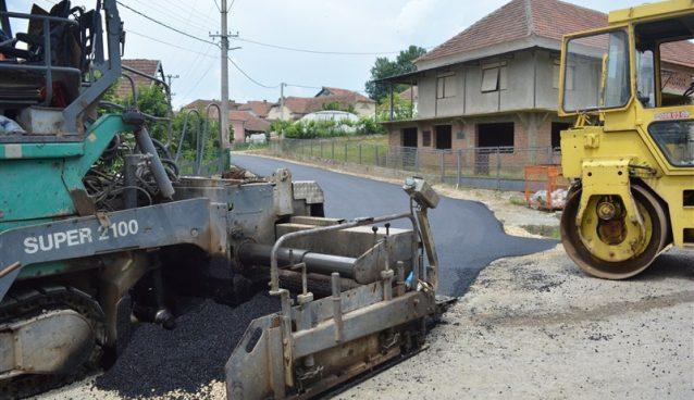 Radovi na asfaltiranju puta od Sedlara do Kupinovca se privode kraju!!!