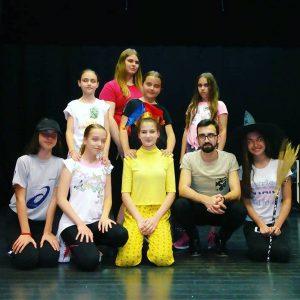 """U utorak na Trgu Stevana Sinđelića dečija pozorišna predstava """"AVANTURE U KRALjEVSTVU DEPONIJUM""""!!!"""