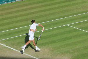 Novak je posle više od pet sati tenisa i neverovatnog preokreta savladao Federera osvojio petu titulu na Vimbldonu
