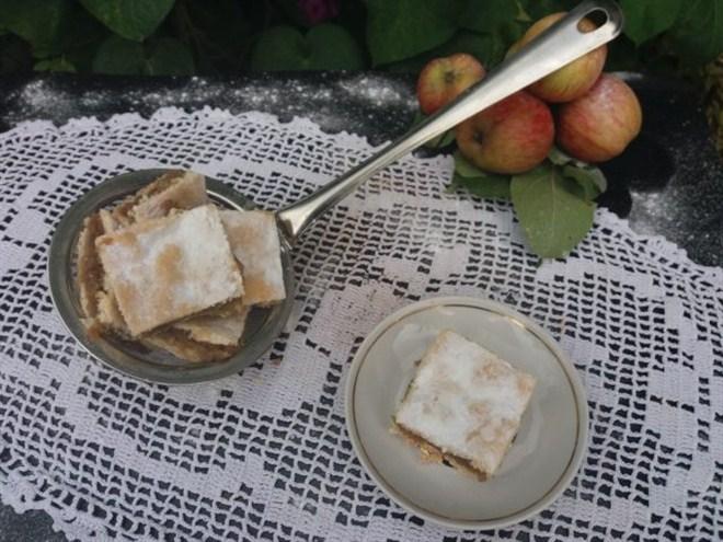 RECEPT DANA-Lenja pita sa jabukama, tradicionalni recept!!!