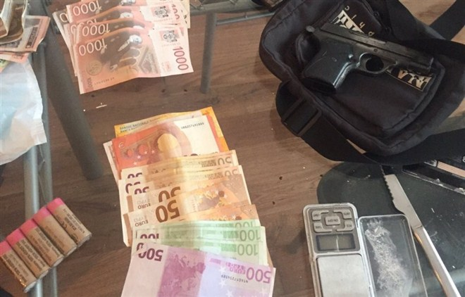 U organizovanim akcijama u Kragujevcu pohapšeno više osoba zbog šverca i preprodaje opijata !!!