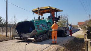 Počeli radovi na asfaltiranju seoskih ulica i puteva u Ćupriji !!!