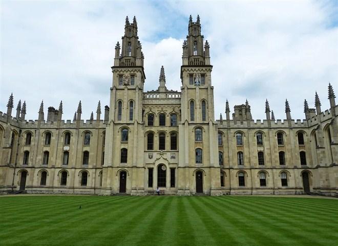 Studenti Pravnog fakulteta u Beogradu osvojili prvo mesto na debatnom turniru u Oksfordu !!!