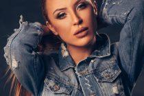 Milena može sve, i da bude lepa i vitka i da očara glasom !!!