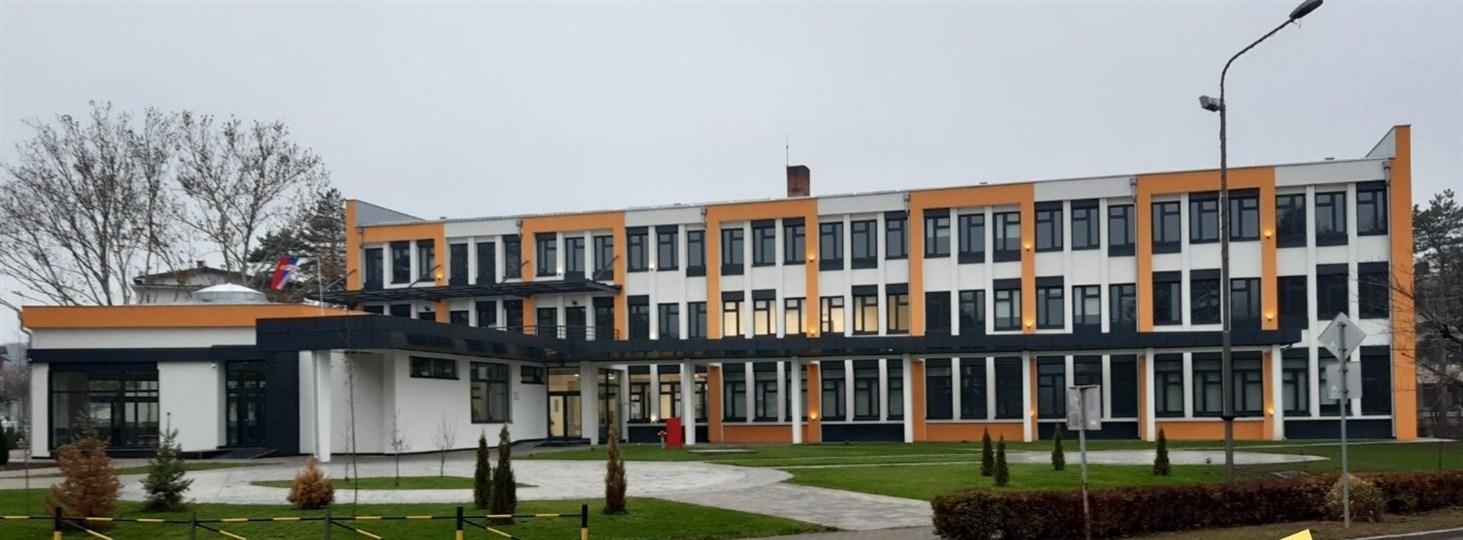 Tehnička škola u Despotovcu ušla je u novu 2020. godinu potpuno renoviranom zgradom !!!