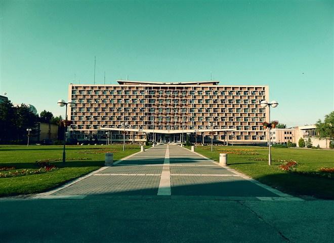 u Kragujevcu je danas uvedena vanredna situacija zbog rasta broja zaraženih koronavirusom !!!