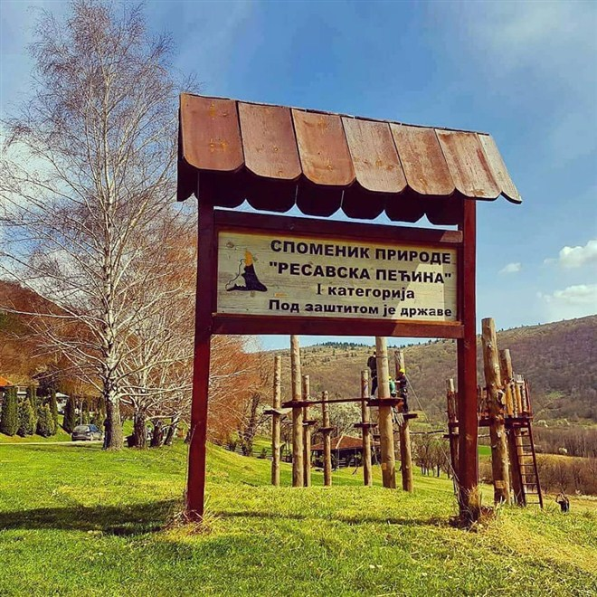 RESAVSKA PEĆINA-Sve veći broj mladih posetilaca Resavske pećine