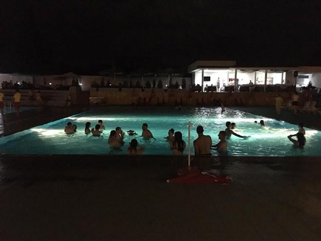 """Večeras noćno kupanje na bazenima """"SLAVIJA"""" u Ćupriji !!!"""