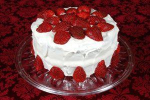 RECEPT DANA-Prolećna torta sa JAGODAMA !!!