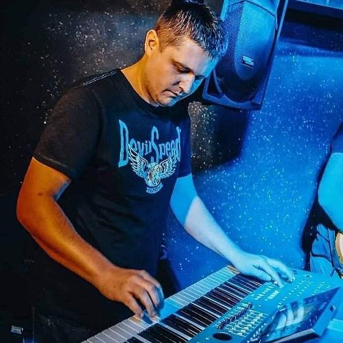 Stefan i Amnesia band-4