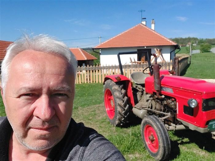 NEĆETE VEROVATI gde živi i radi novinar Gvozden Nikolić !!!
